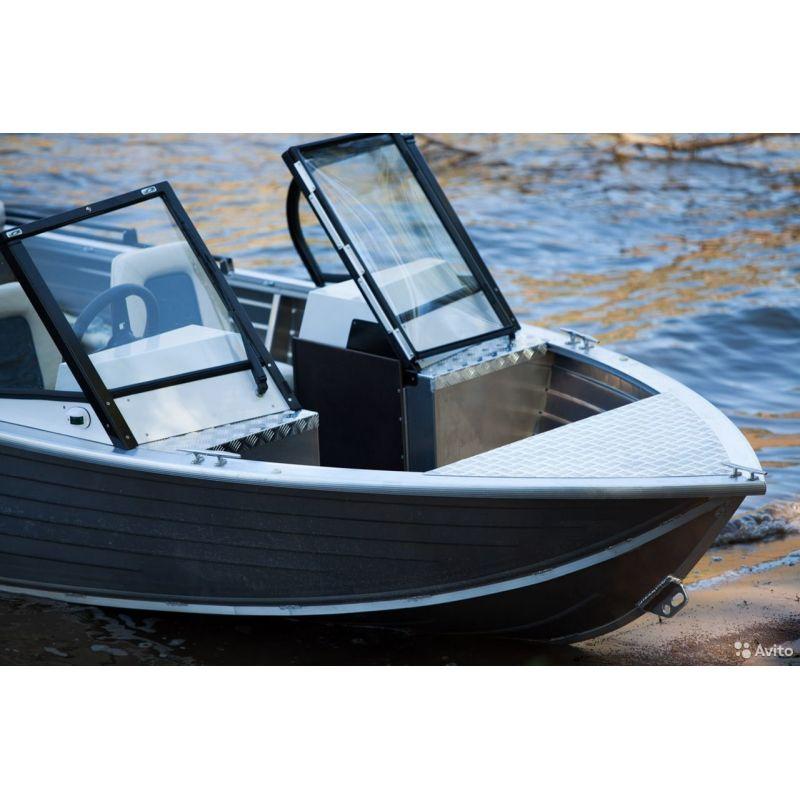 Моторная лодка Салют-430 в ва...